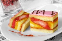 Recept: Vianočné punčové rezy | Ako na to? | Tempo Magazin Czech Desserts, Sweet Recipes, Cake Recipes, Czech Recipes, Baked Goods, Cheesecake, Good Food, Food And Drink, Sweets