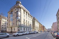 Apartments na Konnoy 14 Saint Petersburg Apartments na Konnoy 14 offers accommodation in Saint Petersburg, 2.9 km from Church of the Savior on Spilled Blood and 3.5 km from Palace Square. The apartment is 3.6 km from Hermitage Museum. Free private parking is available on site.