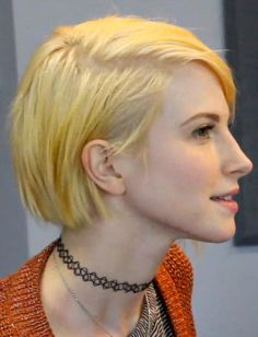 Hayley Williams Straight Yellow Bob, Side Part Hairstyle | Steal Her Style                                                                                                                                                      More