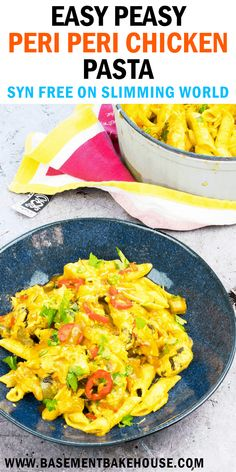 Syn Free Peri-Peri Chicken Pasta – Basement Bakehouse This recipe without SYN-PERI-PERI CHICKEN PASTA is a fantastic slimming world dinner recipe! A family friendly Slimming World pasta recipe. Slimming World Pasta, Slimming World Dinners, Slimming World Chicken Recipes, Slimming Eats, Slimming Recipes, Teriyaki Chicken, Easy Healthy Recipes, Easy Meals, Healthy Meals