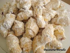 CORNULETE FRAGEDE CU IAURT, poza 3 Romanian Desserts, Romanian Food, Cake Recipes, Snack Recipes, Dessert Recipes, Snacks, Pita, Good Food, Yummy Food