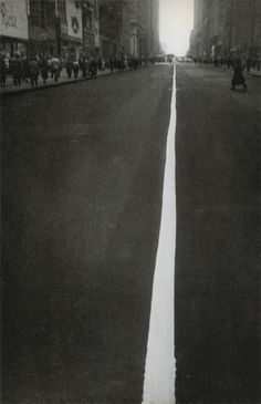 Robert Frank - 34th Street, New York, 1951