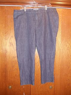 OLD NAVY, Women's size 16 crop jeans. No pockets. 24 inch inseam #OldNavy #CapriCropped