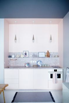 Love a bit of terrazzo countertops. Durable, easy to clean and beautiful on top of that, why wouldn't you be fascinated with the material  www.terrazzco.com