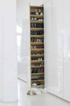 Garderobe - Praktischer Schuhschrank, v.a. für Kinder- und Sportschuhe
