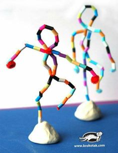 I takt med personliga mål, framåt att önska!Bead or colored straw sculpture formsKinderaktivitäten, mehr als 2000 Malvorlagen - KunstStatues using pipe cleaners, beads and claymight a great idea instead of the foil figures? Or is this an armature Kids Crafts, Projects For Kids, Diy For Kids, Diy And Crafts, Arts And Crafts, Straw Art For Kids, 3d Art Projects, Dance Crafts, Preschool Art