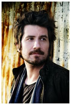 Really like this portrait of Matt Nathanson.  Thought the background was aspens until I saw the large version.  No reason we can't do portraits with aspens instead...