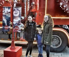 We missed the Coca Cola truck this year. After hearing the aftermath of traffic I'm quite happy we didn't go. We went last year though and grabbed a few snaps. I'll be honest, it was actually underwhelming but got a free mini can of pop 😂