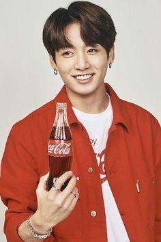 Jeon jung kook In Coca-Cola ad Jung Kook, Foto Bts, Bts Photo, Busan, Bts Jungkook, Taehyung, Jungkook Smile, Coca Cola, Pepsi