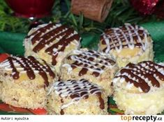 Medové dortíčky s piškotem Slovak Recipes, Czech Recipes, Russian Recipes, Baking Recipes, Cake Recipes, Dessert Recipes, Desserts, Christmas Cookies, Cheesecake