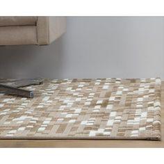 Com uma atraente e criativa pitada de tons coloridos, o Tapete Rocco 150x200 Bege é uma excelente opção para valorizar ambientes modernos.