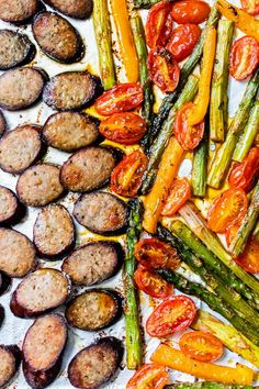 Low-Carb (Keto) Kielbasa Veggie Sheet Pan Dinner - Skinnytaste - Kielbasa Veggie Sheet Pan Dinner is made with turkey kielbasa, asparagus, tomatoes and bell peppers cooked all on one pan, easy cleanup! It's also Keto, Low Carb and Gluten-free. Skinny Taste, New Recipes, Dinner Recipes, Healthy Recipes, Lunch Recipes, Delicious Recipes, Pasta Recipes, Healthy Foods, Dinner Ideas
