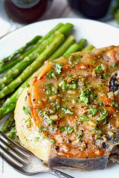 These Garlic Brown Sugar Pork Chops are such a delicious blend of flavors, and is sure to be a new family favorite! These Garlic Brown Sugar Pork Chops are full of flavor and oh so Pork Chop Recipes, Salmon Recipes, Meat Recipes, Pasta Recipes, Cooking Recipes, Healthy Recipes, Pork Meals, Spinach Recipes, Fruit Recipes