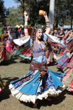 Romani (Gypsy) Dancer from the Abbey Medieval Festival. For those keen on Photo-manipulation I will post up a link to a version of this image suitable f. Boho Gypsy, Boho Hippie, Gypsy Style, Bohemian Style, Hippie Style, Romanian Gypsy, Gypsy Culture, Gypsy Women, Gypsy Girls
