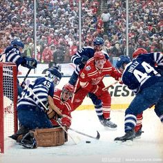 Sweet shot from the first period of the 2014 Bridgestone Winter Classic Hockey Shot, Hockey Teams, Original Six, Winged Girl, Clap Clap, First Period, Toronto Maple Leafs, Detroit Red Wings, Im In Love