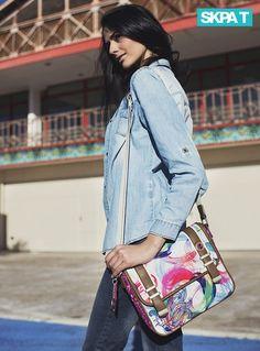 Bolso Bandolera Estampado Colores Vivos, Sakelo.com Trending Topics, Shoulder Bag, Bags, Fashion, Bold Colors, Trends, Handbags, Moda, Fashion Styles