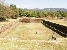 Ball court at Tingambato, Michoacán Photo: Reed
