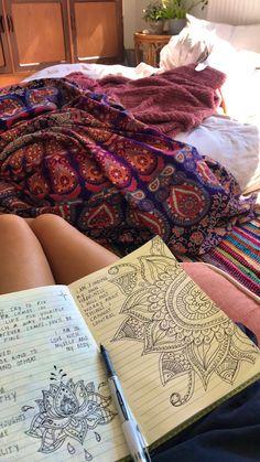 Art Journal Inspiration, Art Inspo, Art Sketches, Art Drawings, Crystal Aesthetic, Hippie Art, Scrapbook Journal, Book Of Shadows, Dream Life