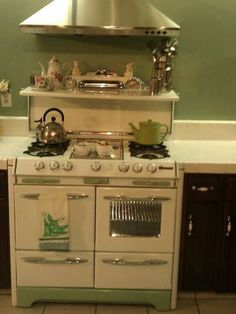 .Jade and Cream Vintage Stove
