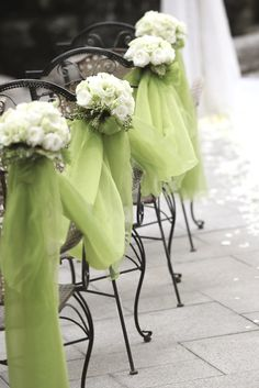 chartreuse wedding decor.