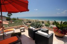 Situated in Ascea, Casa Vacanza Alice & Mari provides accommodation with free WiFi.