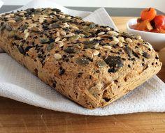 Mali hleb sa maslinama i ruzmarinom 3 s Low Carb Recipes, Vegan Recipes, Cooking Recipes, Vegan Food, Low Carb Meal, Bosnian Recipes, Kolaci I Torte, Snacks, Tasty Dishes