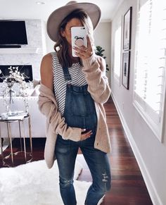 Cardigan (comes in grey also) // Madewell Overalls similar here and maternity ve. - Cardigan (comes in grey also) // Madewell Overalls similar here and maternity ve. Pregnancy Looks, Pregnancy Outfits, Pregnancy Clothes, Pregnancy Fashion, Pregnancy Wear, Pregnancy Bump, Pregnancy Pictures, Maternity Fashion