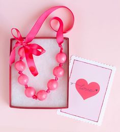Bubble Gum neacklace ... ribbons used