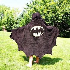 Become a superhero the moment you step out of the bathtub. This superhero craft for kids is so cute!