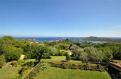Villa V7000: an amazing hilltop property in Pantogia, Porto Cervo.