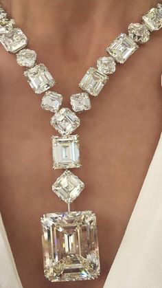 debeers diamonds in asia case Access to case studies expires six months after purchase date publication date: february 21, 2017 in september 2014, tom montgomery (svp of strategic initiatives at the de beers group) and his.