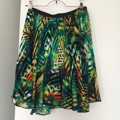 Multicolor print skirt Never been worn, very beautiful multicolor/print skirt. Skirts