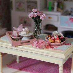 Miniature Shabby Chic Kitchen Table - Villa Huvitus