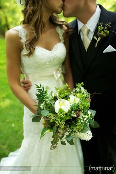green/white bouquet with champagne tie