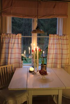 Sallys hus: Köks gardiner