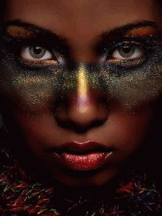 […] Comece não cobrando das pessoas atitudes que nem você mesmo toma.  — Tickets of Cassi
