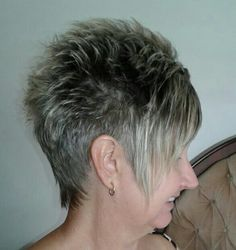 Frosted Hair, Hairstyle Ideas, Hairstyles, Blonde Dye, Bobs For Thin Hair, Pixie Cuts, Pixies, Short Haircuts, Cut And Color