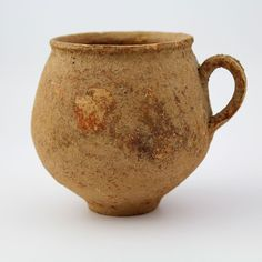A Phrygian Terracotta Cup, ca. 1200 - 700 BC - Sands of Time Ancient Art Pottery Mugs, Ceramic Pottery, Ceramic Cups, Ceramic Art, Earthenware, Stoneware, Terracota, Pottery Making, Tea Bowls
