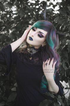 http://mysticthread.deviantart.com/art/Black-agate-choker-and-amethyst-ring-615531976