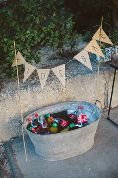 Top 20 Rustic Country Galvanized Bucket Wedding Ideas Galvanized metal decor is . - Top 20 Rustic Country Galvanized Bucket Wedding Ideas Galvanized metal decor is a must-have for any - Drink Bar, Barbecue Wedding, Barbecue Bbq, I Do Bbq, Kid Drinks, Beverages, Party Drinks, Summer Drinks, Wedding With Kids