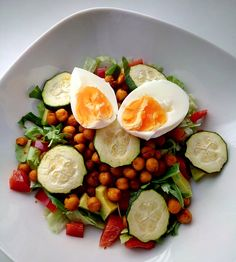 Do you want something a little bit warm for dinner? Enjoy this quick half warm salad.