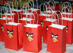 I hate to say it, but I don't have too many details to share about the boys' Angry Bird Birthday party. The party was held a 'cyber club', so I didn't need to do anything for the decorations. Bird Birthday Parties, 5th Birthday Party Ideas, Birthday Fun, Festa Angry Birds, Favor Bags, Goodie Bags, Treat Bags, Bird Party, Bird Theme