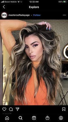 Caramel Blonde Hair, Blonde Hair With Roots, Blonde Hair Black Girls, Dark Hair With Highlights, Hair Color For Tan Skin, Hair Dye Colors, Hair Color Dark, Beige Blonde Balayage, Balayage Hair
