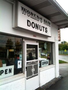 50 Things to Do in 50 States: For Styles, you can't visit St. Louis, Missouri, without a stop at World's Fair Donuts. The shop also happens to be a block from the Missouri Botanical Garden--make a day trip of it! Us Travel, Places To Travel, Oh The Places You'll Go, Places To Visit, Stuff To Do, Things To Do, St Louis Mo, World's Fair, 50 States