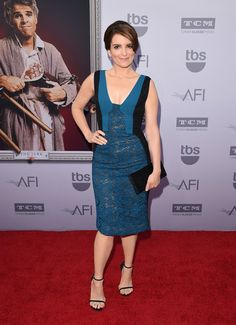 Tina Fey Cocktail Dress - Tina Fey looked subtly sexy at the AFI Life Achievement Award Gala in a teal and black J. Mendel dress in sheer lace with a cleavage-baring neckline. Fall Dresses, Blue Dresses, Formal Dresses, Tina Fey Feet, Haute Couture Fashion, Celebrity Feet, Fashion Lookbook, Girl Humor, Peplum Dress
