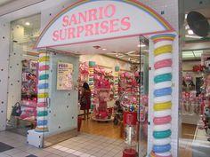 Ik vind dit een mooie winkel, omdat het schattige kleuren heeft. En het is ook snoep. I Love candy.