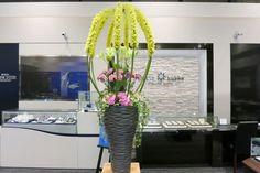 高級ジュエリー店 店内装飾 季節ごと雰囲気を変えてご用意しています