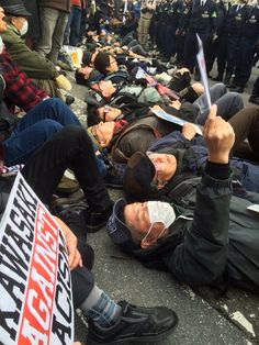 "Jon MitchellさんはTwitterを使っています: ""Kawasaki: Demonstrators successfully block hate demo. https://t.co/NJ1eRAfTTa"""