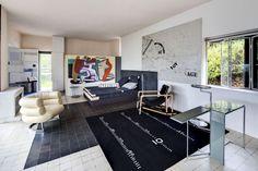 Το σπίτι ανακαινισμένο και με τη διατηρητέα πλέον τοιχογραφία του Corbusier. [Tim Benton] Architecture, Art, Arquitetura, Art Background, Kunst, Performing Arts, Architecture Design, Art Education Resources, Artworks