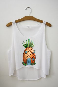 Pineapple Crop Top from Hipster Tops. Saved to Hipster Tops. Cute Crop Tops, Crop Top Shirts, Cropped Tank Top, Cute Shirts, Tank Tops, Cute Fashion, Teen Fashion, Hipster Fashion, Hipster Tops